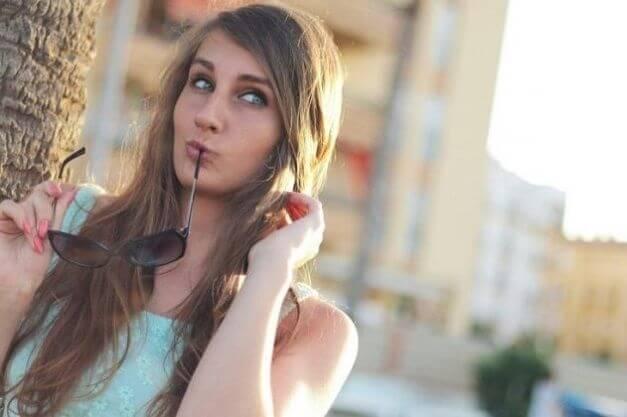 12 советов как узнать, что ты нравишься девушке!